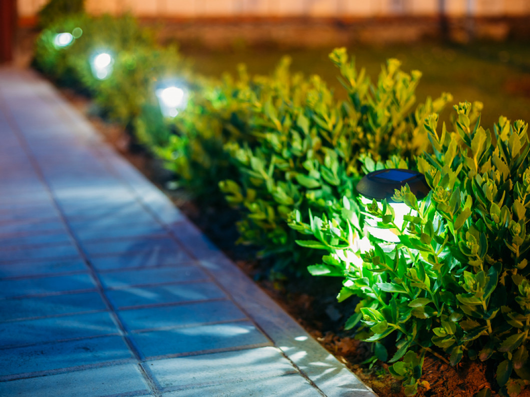 landscape lighting L.E.D and halogen in Hazlet, NJ